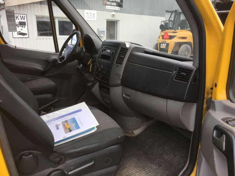 Mercedes Benz Sprinter 313 CDI Van med lift / Van with lift - 25