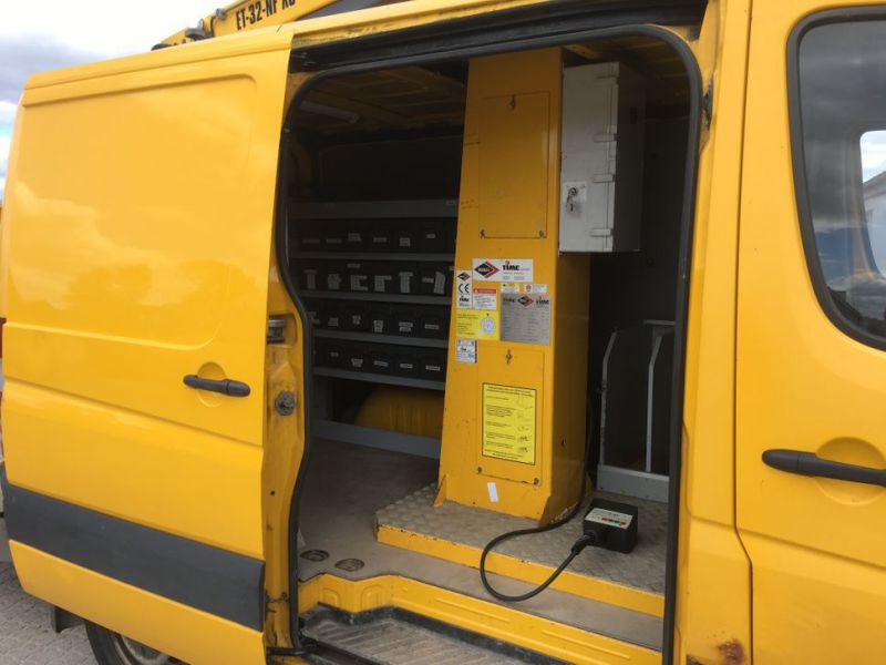 Mercedes Benz Sprinter 313 CDI Van med lift / Van with lift - 26