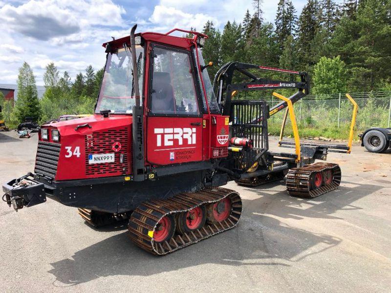 Terri Skotare/Forwarder  - 1