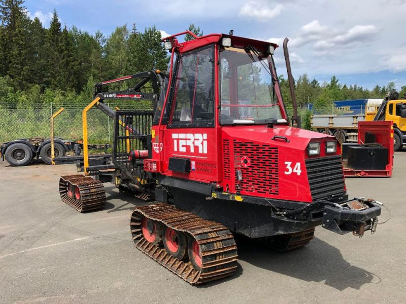Terri Skotare/Forwarder  - 3