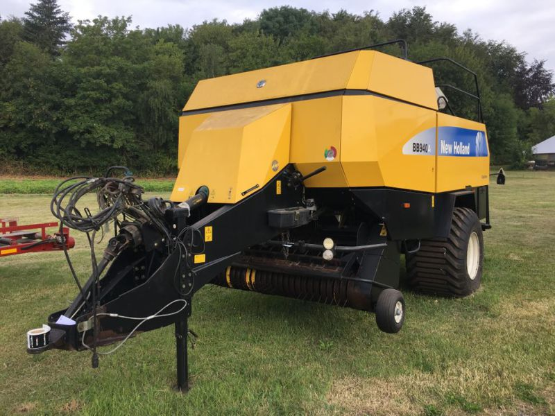 New Holland BB940A Crop Cutter / Baler - 0