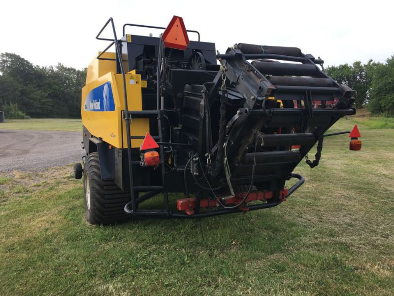 New Holland BB940A Crop Cutter / Baler - 3