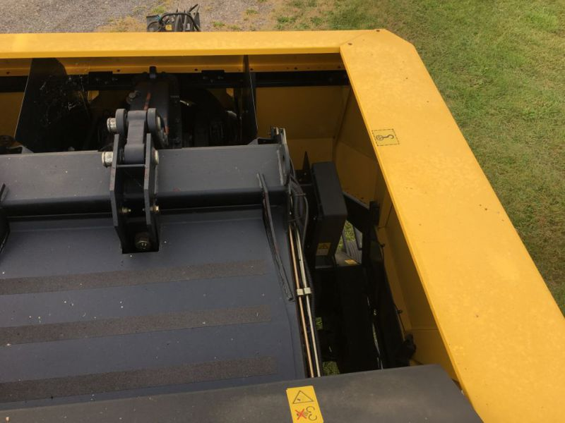 New Holland BB940A Crop Cutter / Baler - 31