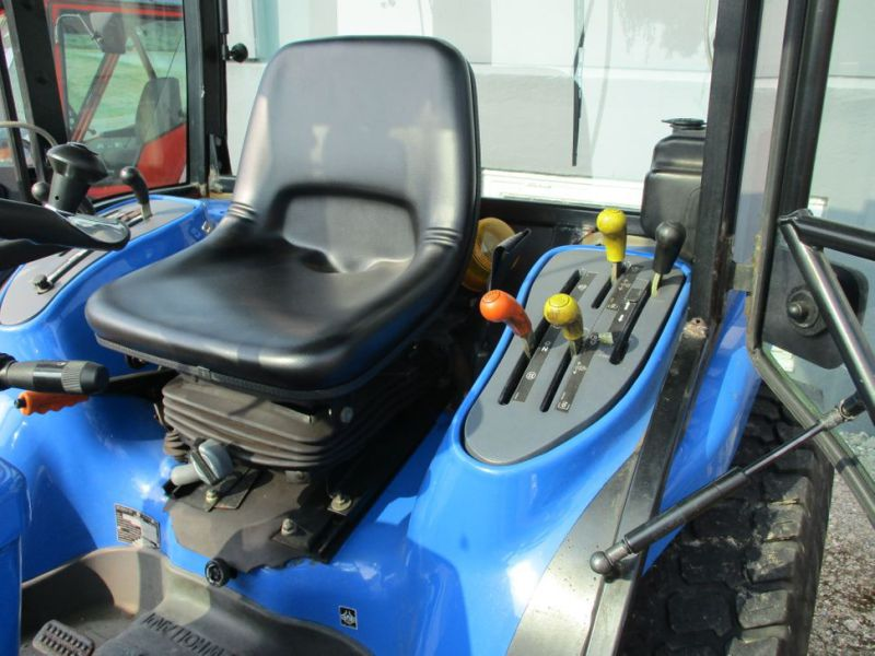 New Holland TC 35 DA traktor / tractor - 14