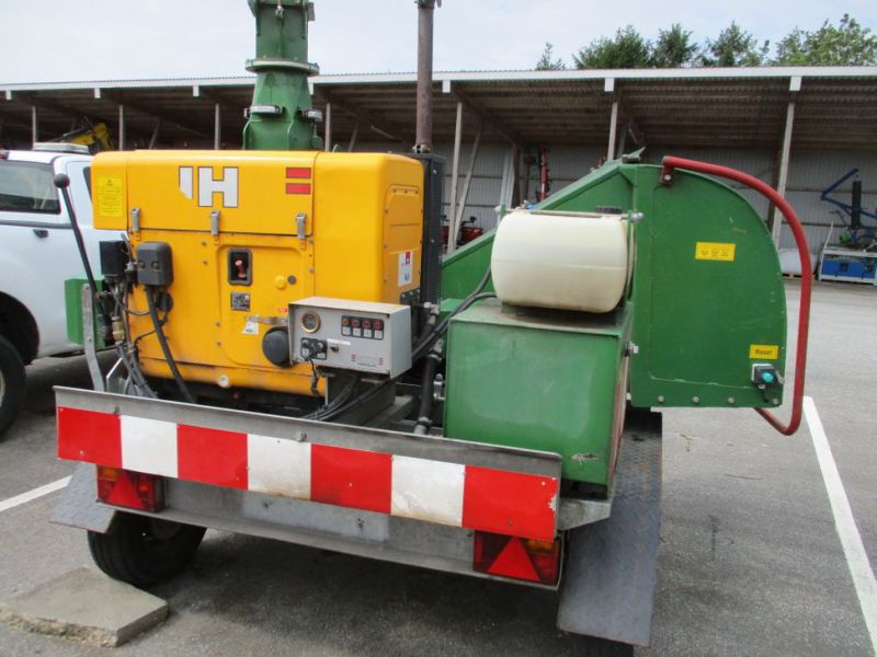 Flishugger NHS 220 MS med Hatz Dieselmotor./ wood chipper with diesel engine  - 9