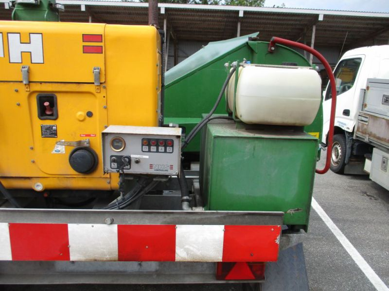Flishugger NHS 220 MS med Hatz Dieselmotor./ wood chipper with diesel engine  - 11