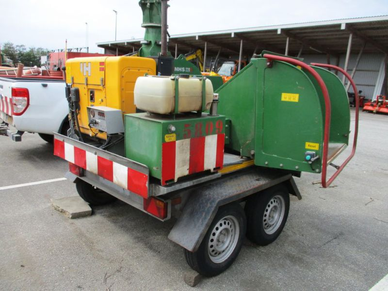 Flishugger NHS 220 MS med Hatz Dieselmotor./ wood chipper with diesel engine  - 12
