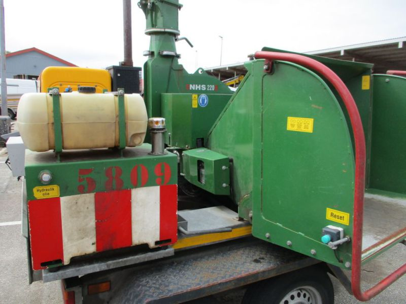 Flishugger NHS 220 MS med Hatz Dieselmotor./ wood chipper with diesel engine  - 13