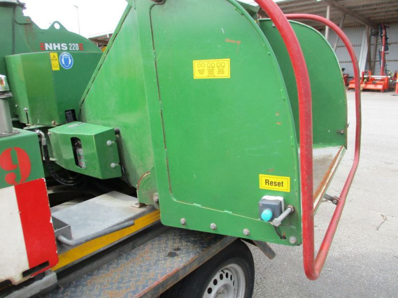 Flishugger NHS 220 MS med Hatz Dieselmotor./ wood chipper with diesel engine  - 17