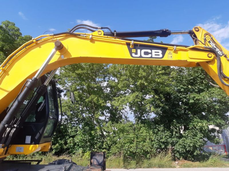 JCB JS 145 W/ wheel loader - 8