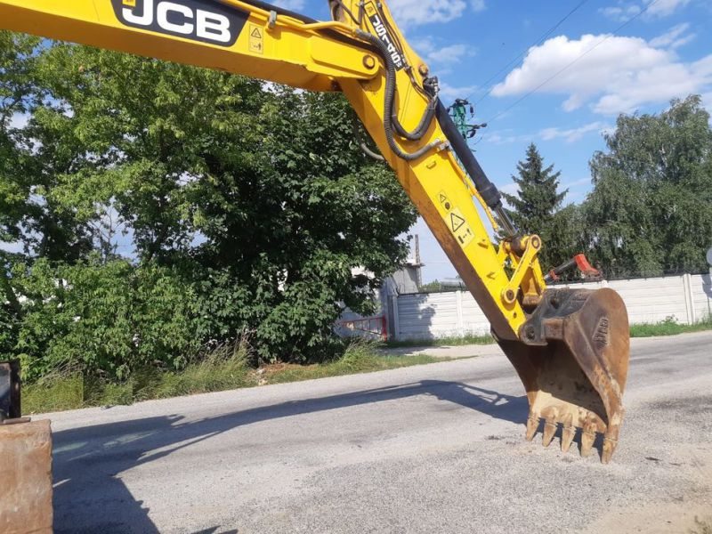 JCB JS 145 W/ wheel loader - 9