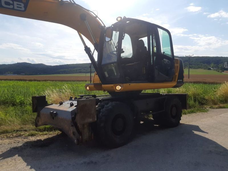 JCB JS 145 W/ wheel loader - 17