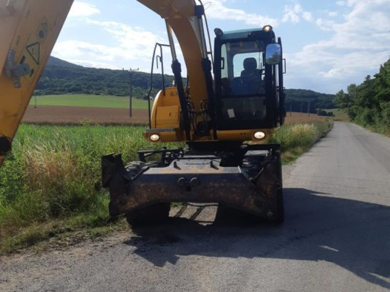 JCB JS 145 W/ wheel loader - 18