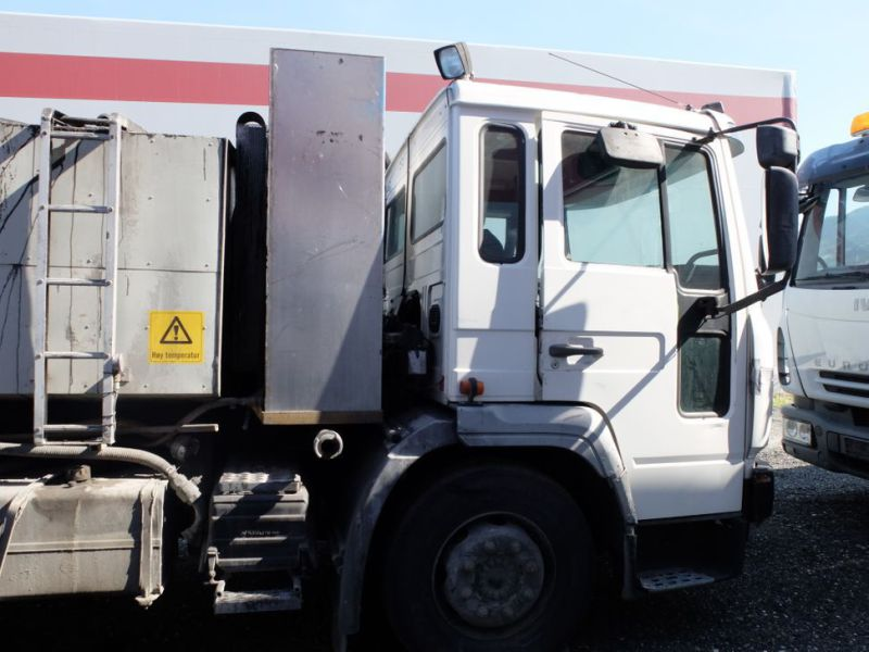 VOLVO FL6 2001-model Asfalt limsprøyte / with Asphalt Glue sprayer - 4