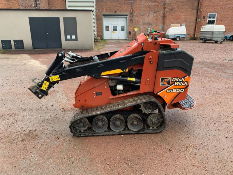 Ditch Witch SK850 - 4