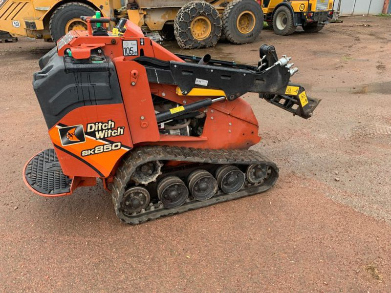 Ditch Witch SK850 - 6