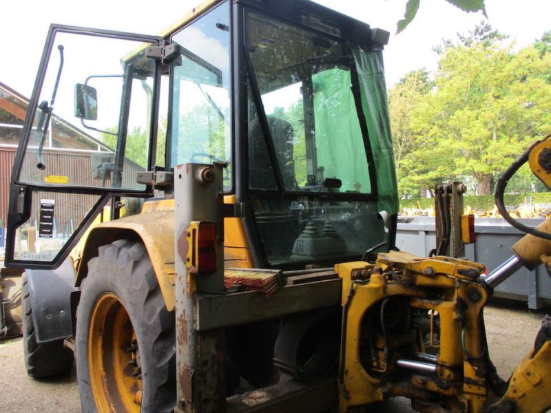 MF 860 Rendegraver / backhoe - 14