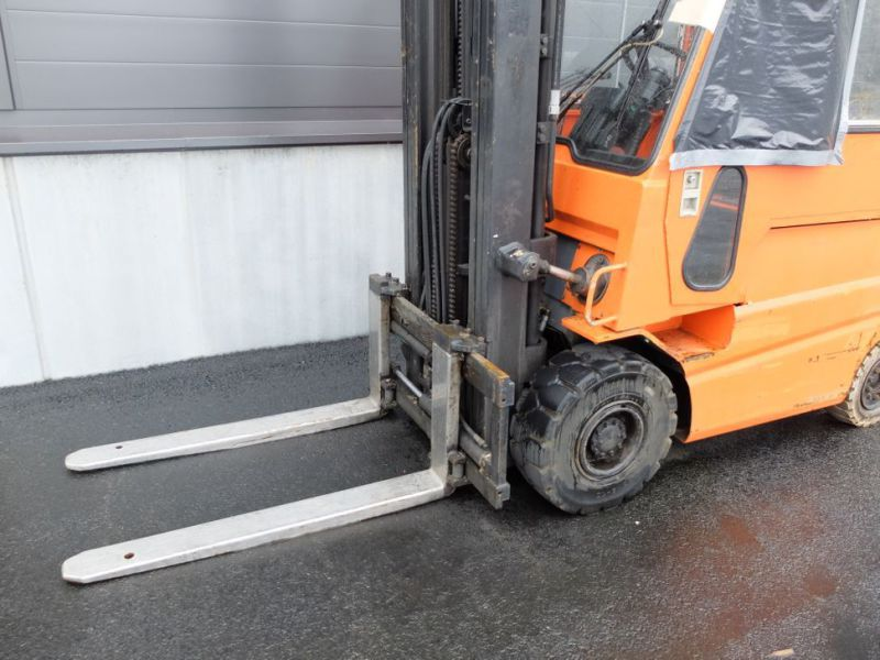 Toyota gaffeltruck med lader / Toyota forklift with charger - 7