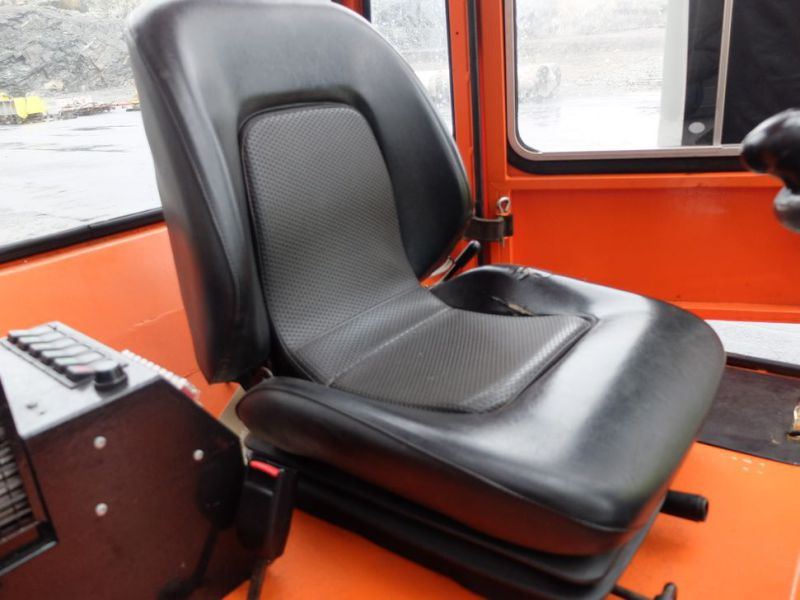 Toyota gaffeltruck med lader / Toyota forklift with charger - 10