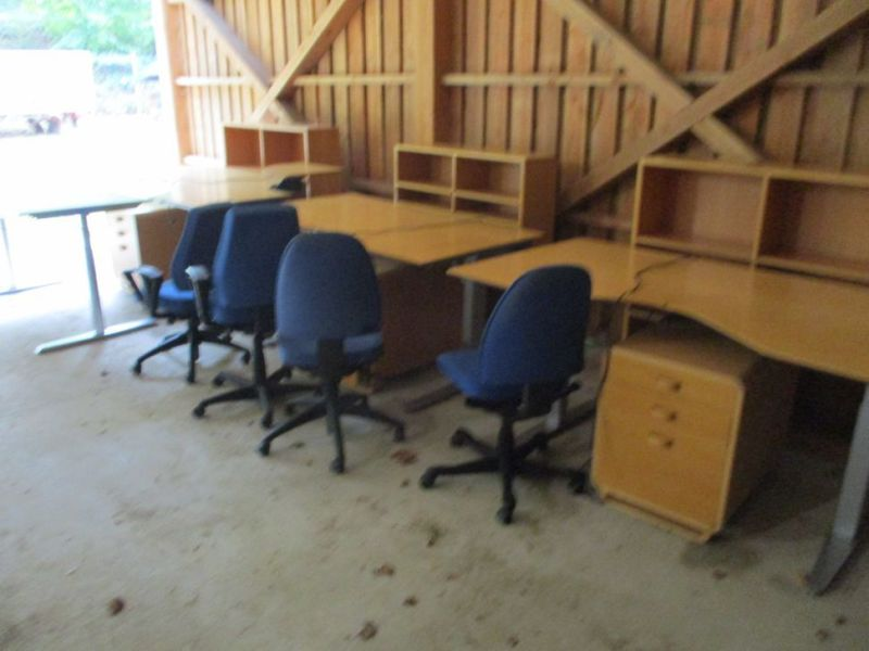 Kontormøbler, borde, stole, reoler / Office furniture, tables, chairs, shelves. - 0
