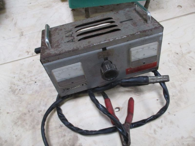 Svejser - ladeapparat - batteritester / Welder - Charger - Battery Tester - 9