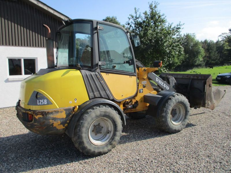 Volvo L 25 B-P gummiged / wheel loader - 4