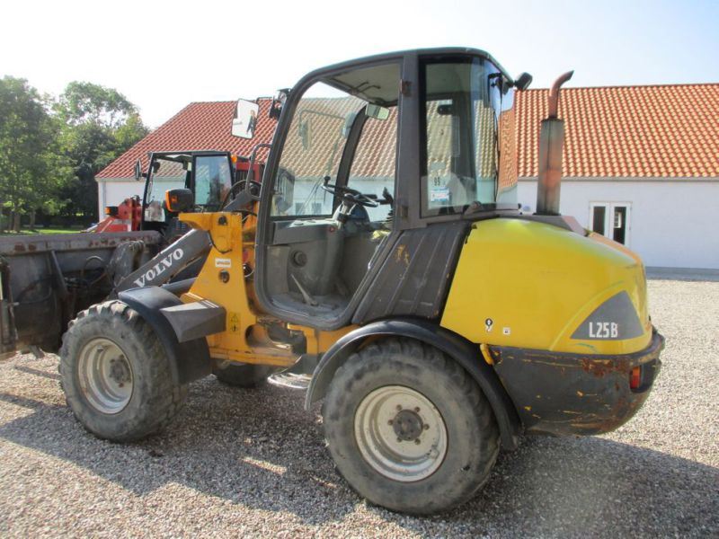 Volvo L 25 B-P gummiged / wheel loader - 8
