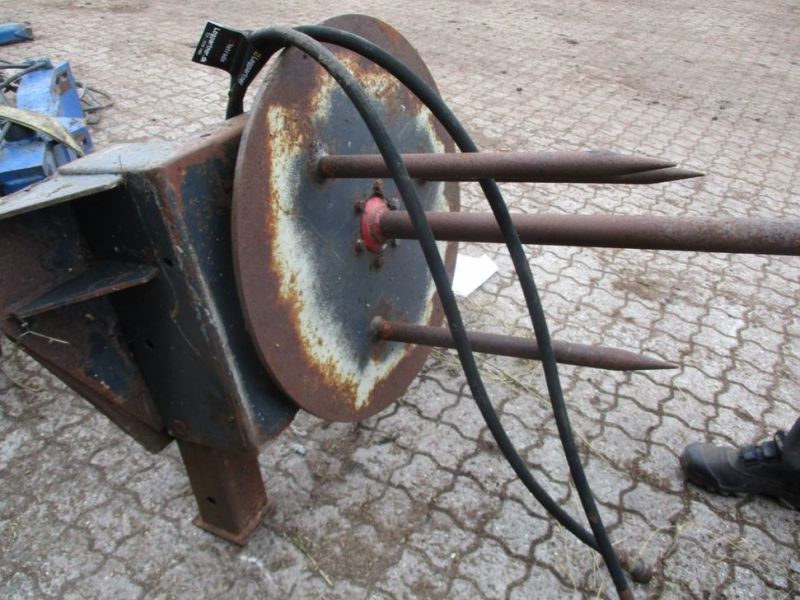 Ballespyd - hydraulisk roterende med Euro-beslag / Bale spear - hydraulically rotating with Euro bracket - 5