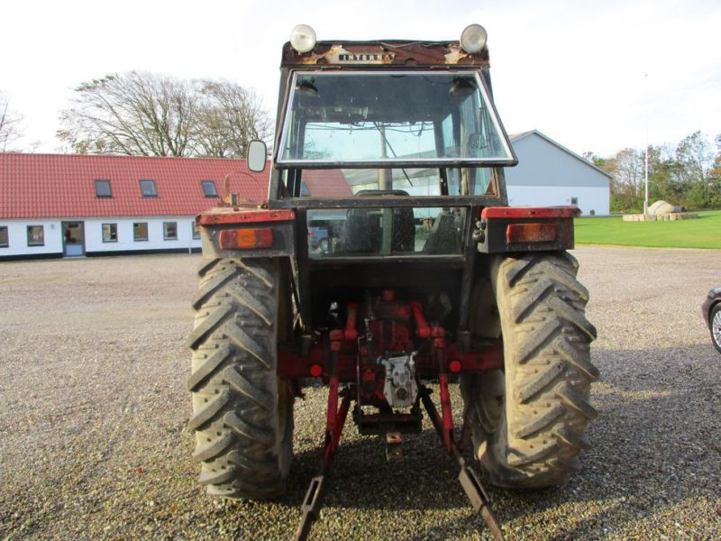 International IH 844S Traktor. 2 WD / tractor - 3