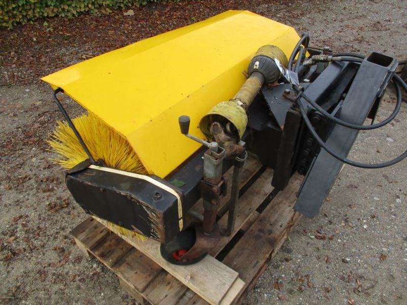 HWH MF-1U-1200 Kost PTO-drevet / sweeper PTO driven - 0
