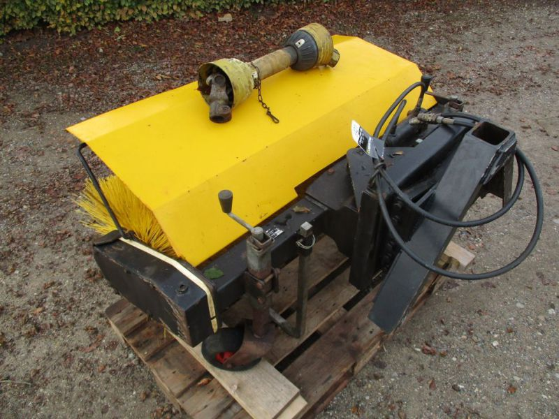 HWH MF-1U-1200 Kost PTO-drevet / sweeper PTO driven - 1