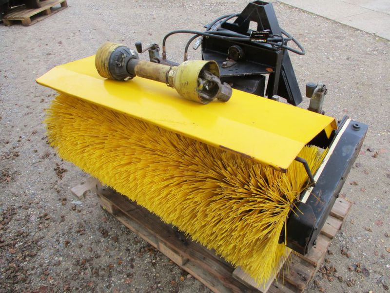 HWH MF-1U-1200 Kost PTO-drevet / sweeper PTO driven - 2