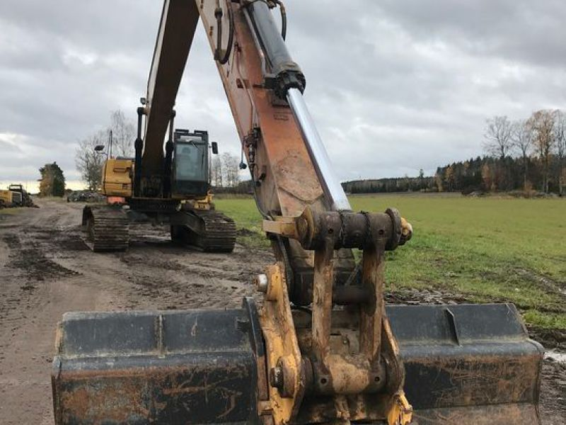 Cat 330 D  long reach  - 18