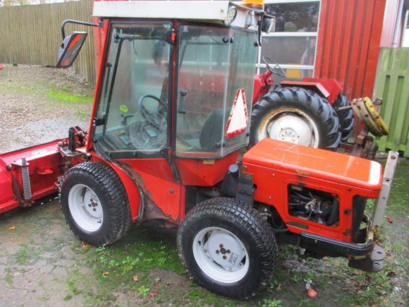 Carraro TIGER TRAC 3800 med sneskraber / with snow scraber - 4