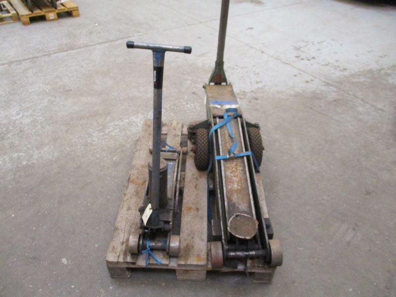 Donkrafte 2 stk 3 tons og 4 tons / Jacks 2 pieces 3 tons and 4 tons - 6