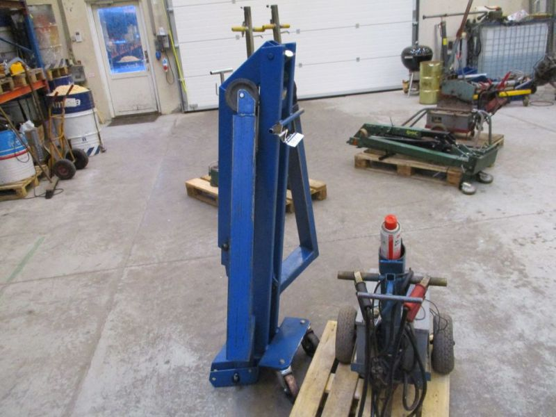 Kran konpakt AC 1.1 Tons, startervogn med lader. / crane and starter with charger. - 2