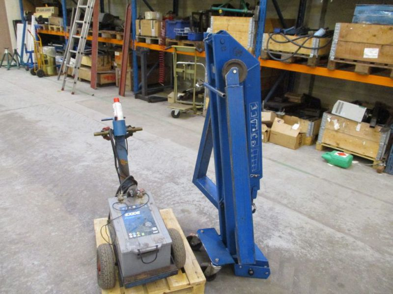 Kran konpakt AC 1.1 Tons, startervogn med lader. / crane and starter with charger. - 4