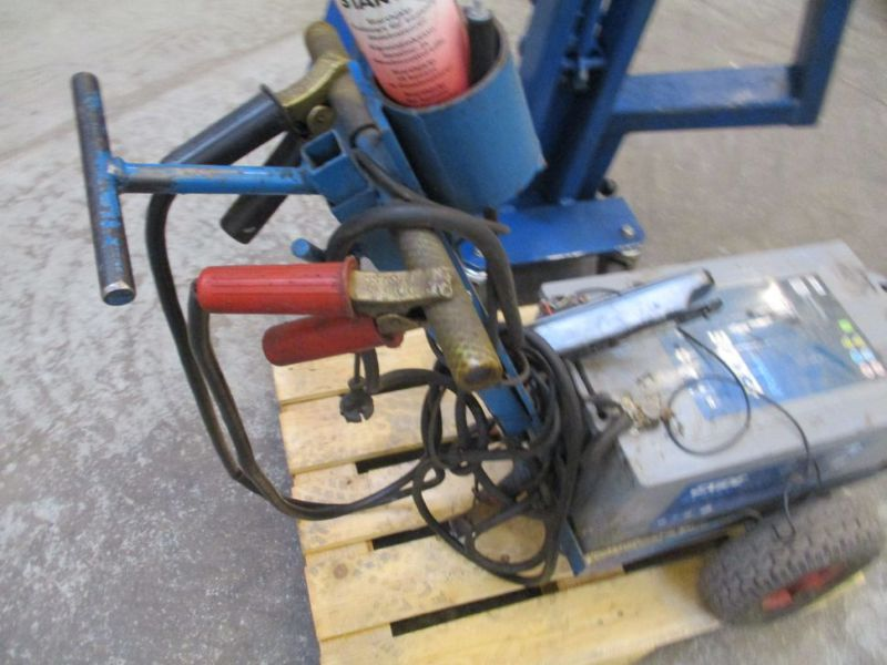 Kran konpakt AC 1.1 Tons, startervogn med lader. / crane and starter with charger. - 8