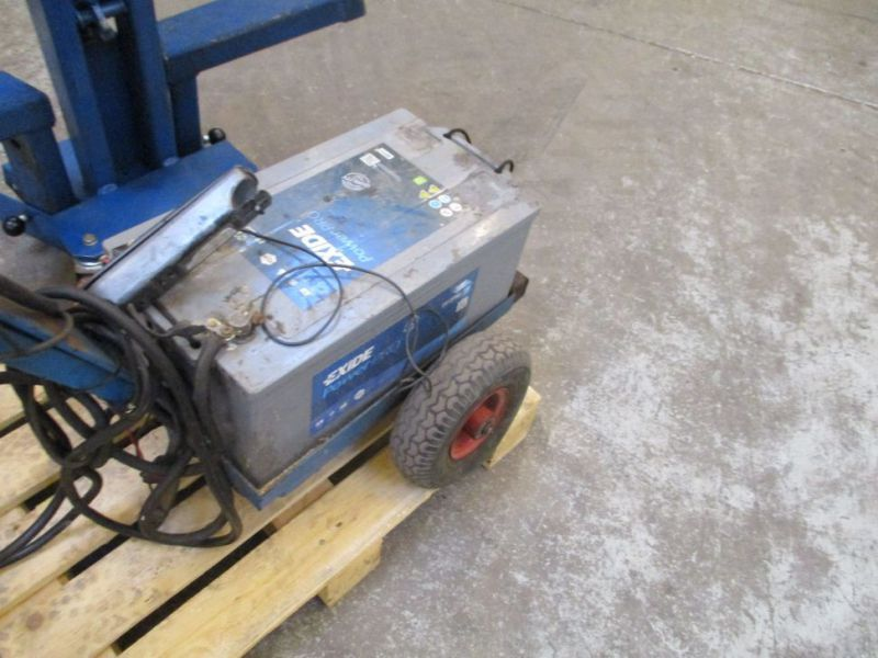 Kran konpakt AC 1.1 Tons, startervogn med lader. / crane and starter with charger. - 9