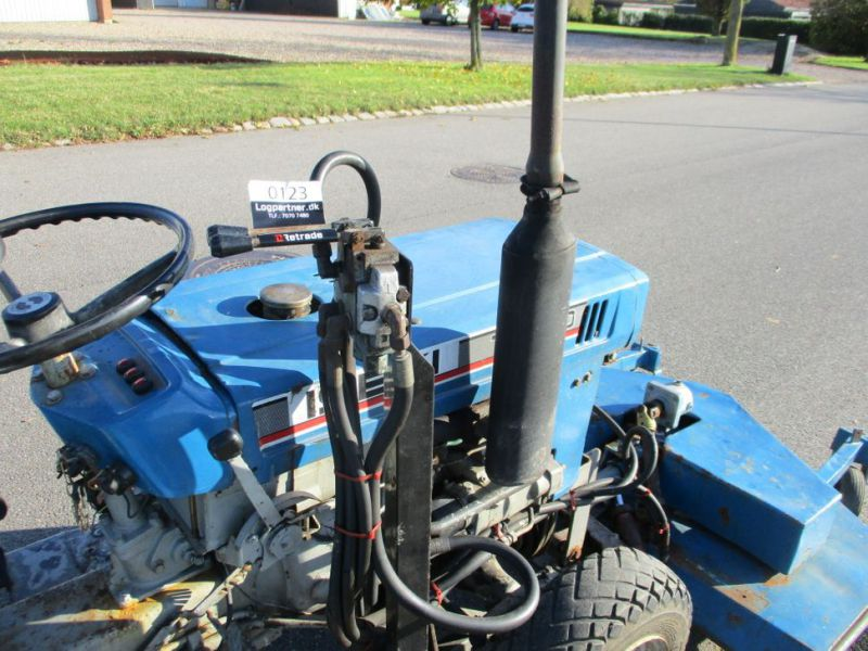Iseki TX 1510 4 WD med front rotorklipper / Tractor with mower - 17