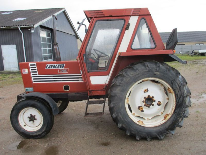 Fiat 780 traktor med få drift timer / tractor with few operating hours - 0