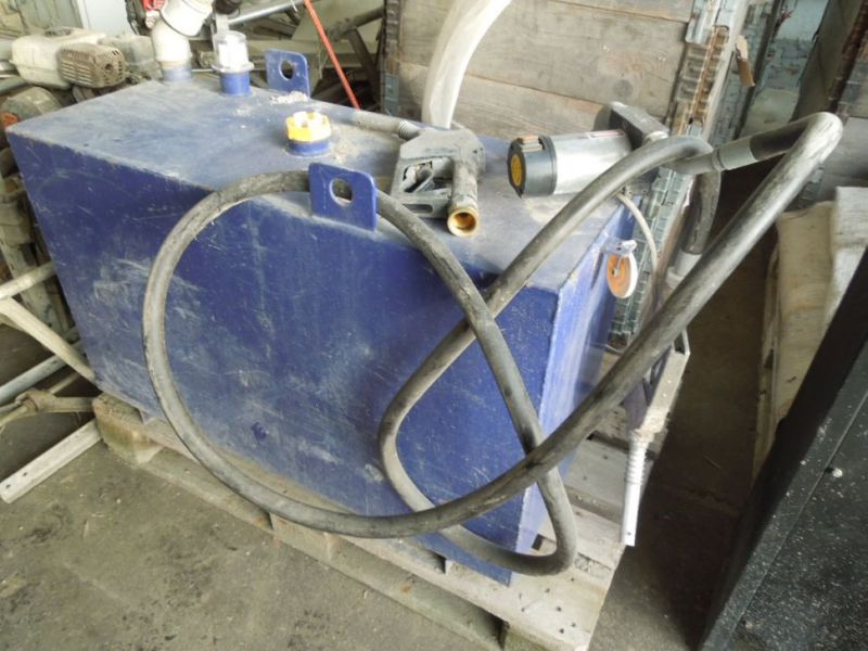 Tank 200 liter med pumpe / Tank with pump - 0