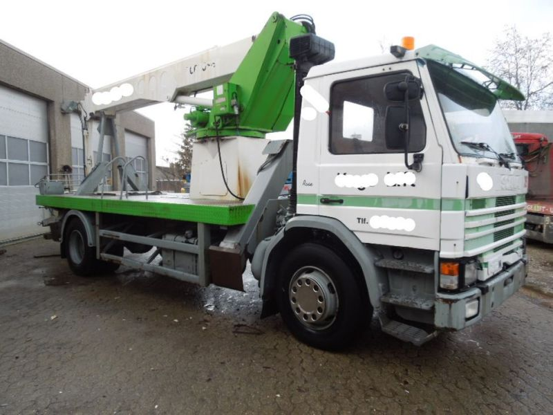 Scania P82m med 22 meter lift / Scania truck with lift - 0