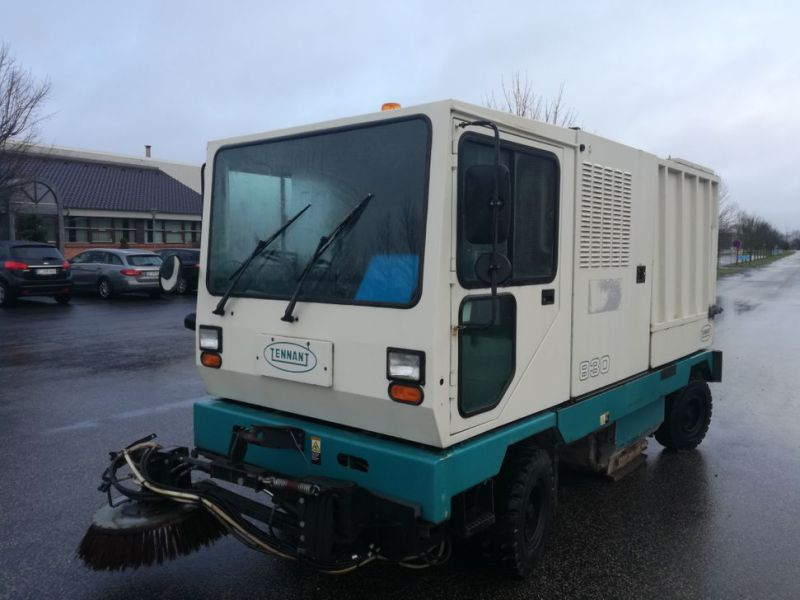 Tennant Mobil fejemaskine / Road sweeper - 0