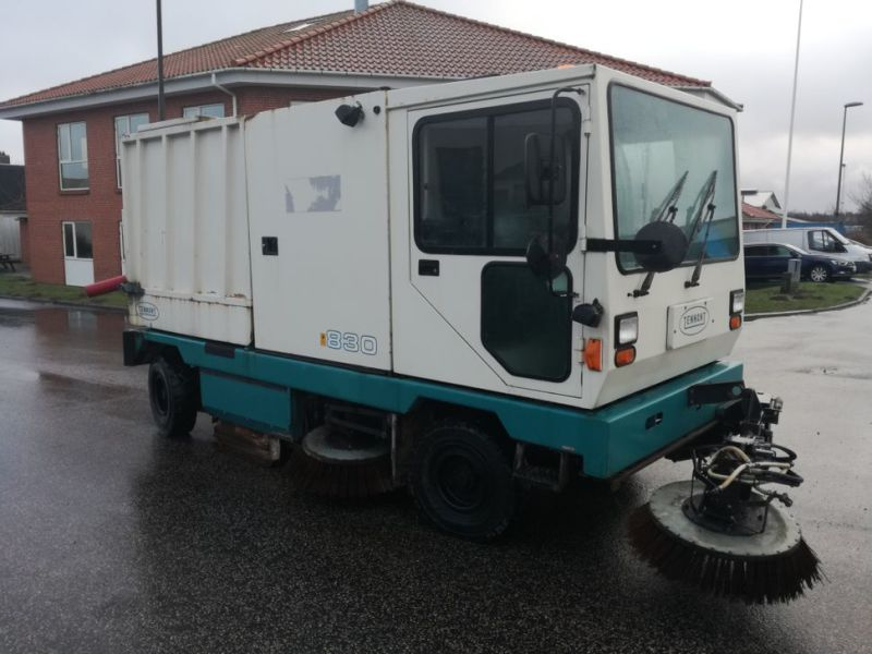 Tennant Mobil fejemaskine / Road sweeper - 2