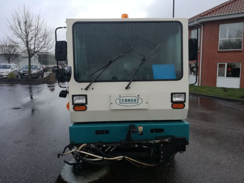 Tennant Mobil fejemaskine / Road sweeper - 3