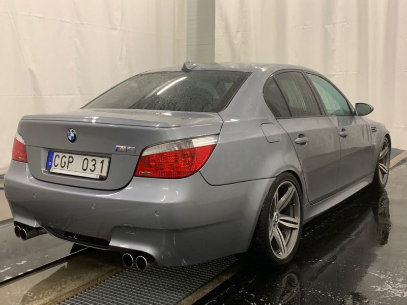 BMW M5 E60 V10 VERY GOOD CONDITION - 2