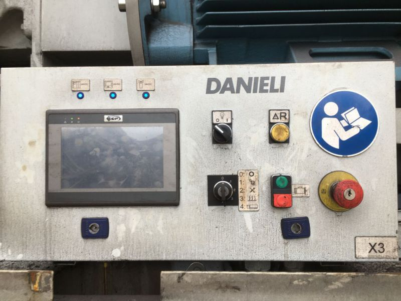 Danieli Henscher CIV600-8 LLI Metal klipper / Metal Cutter - 34