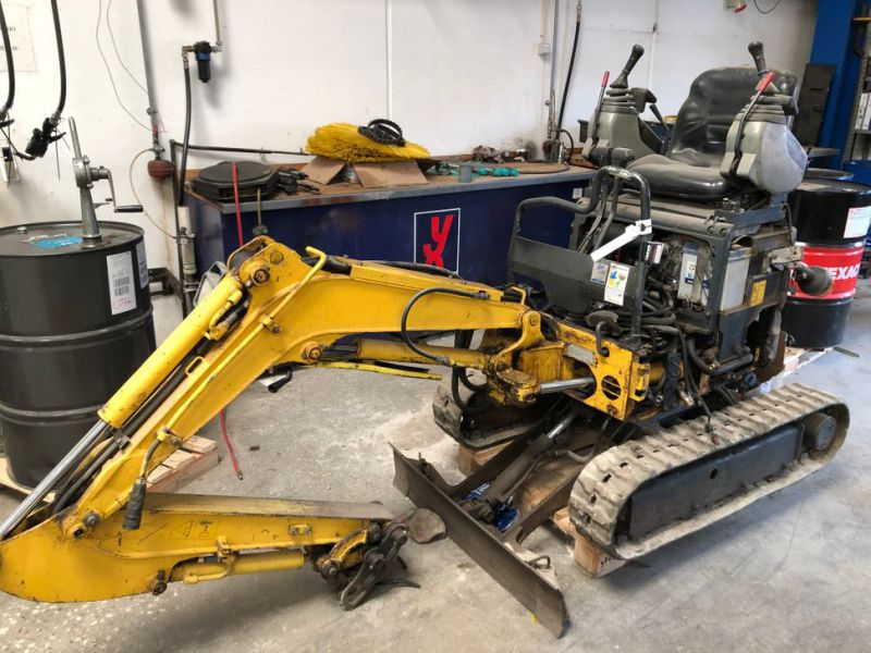 New Holland E9SR Minigraver / Mini Excavator - 0
