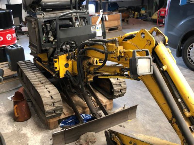 New Holland E9SR Minigraver / Mini Excavator - 8